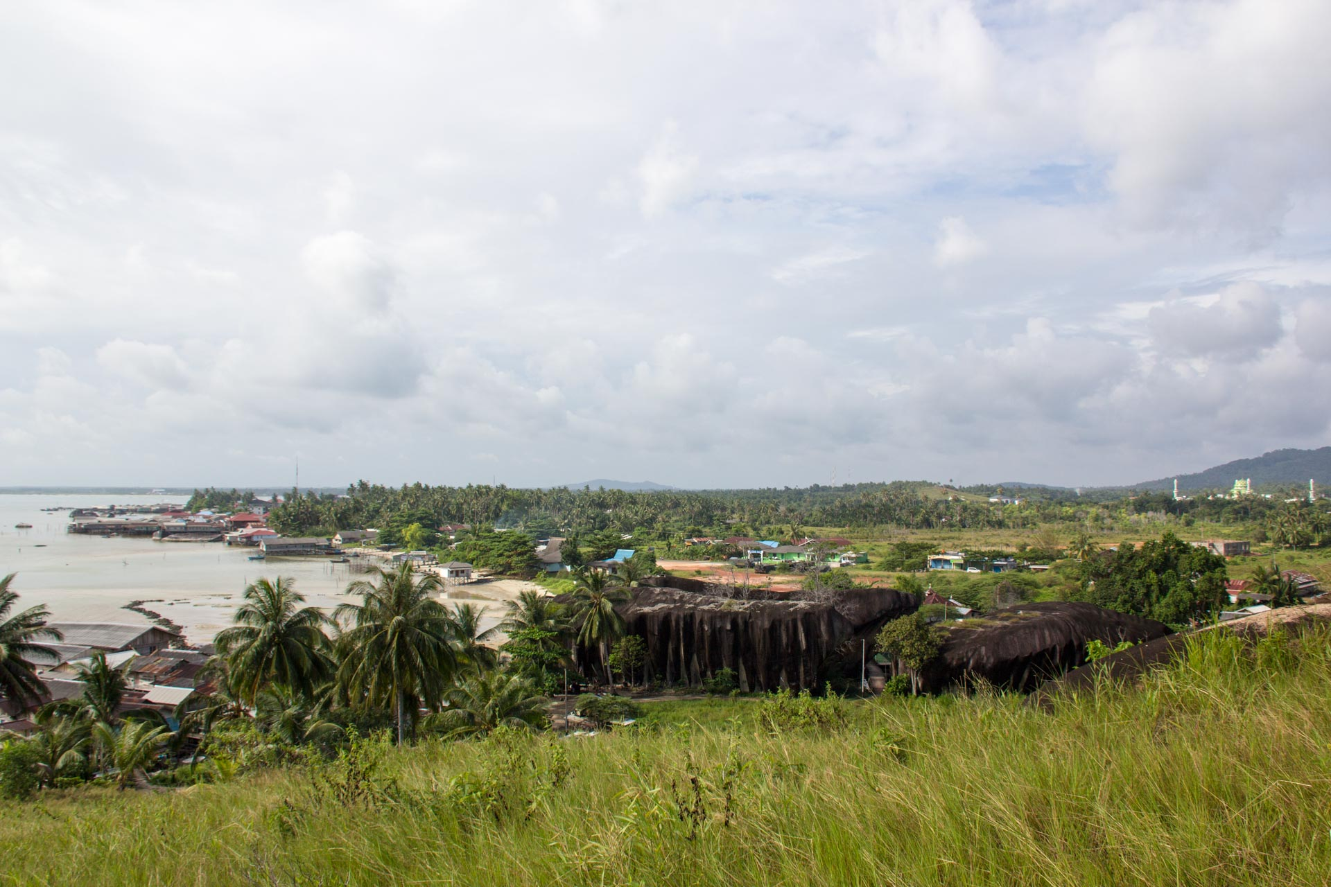(リアム諸島)Batu Kapalを高台から臨む