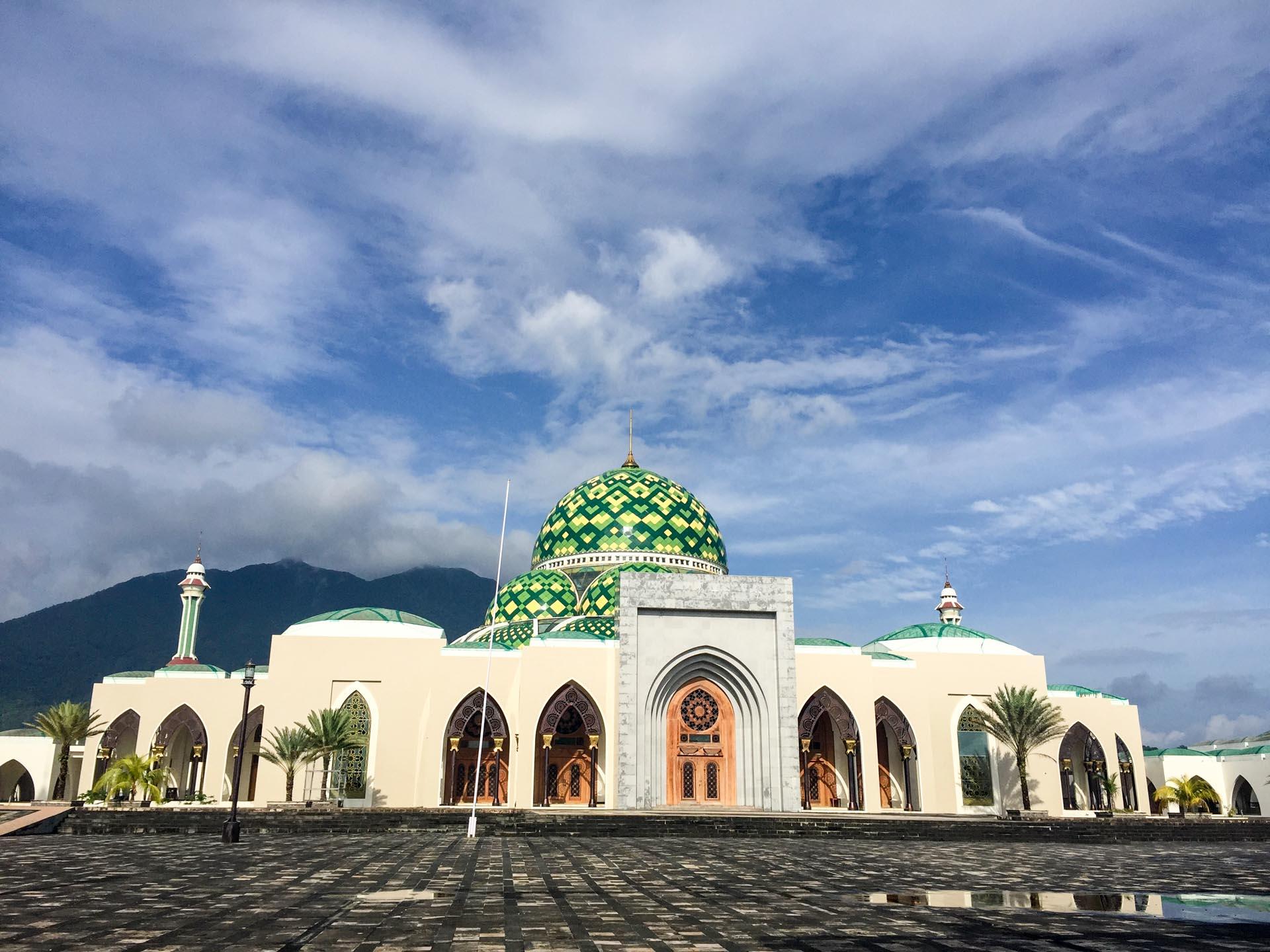 (リアウ諸島)ナトゥナ島の大モスク