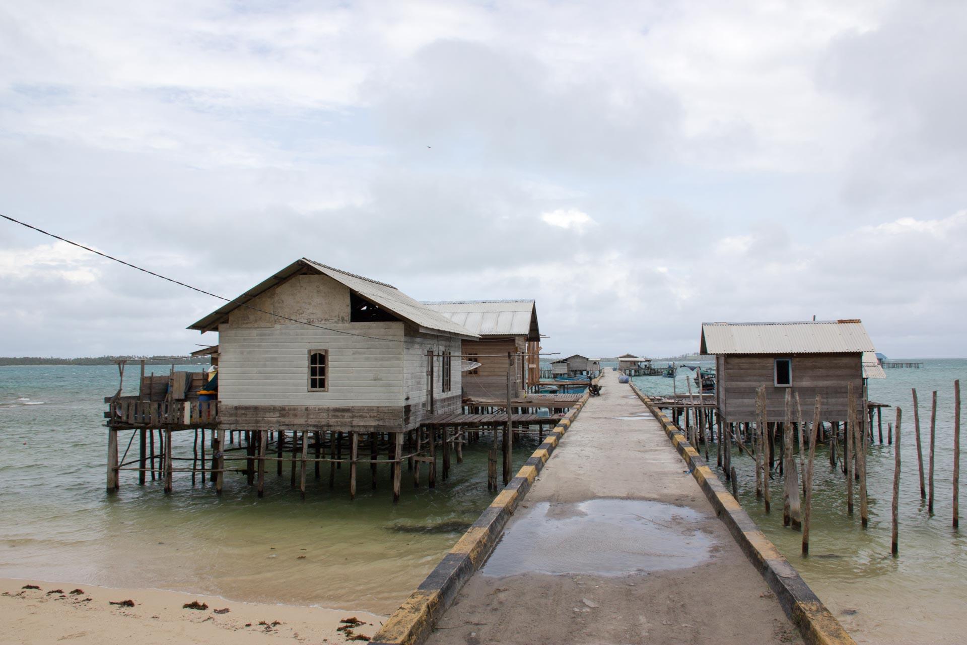 (リアウ諸島)北端の海上家屋