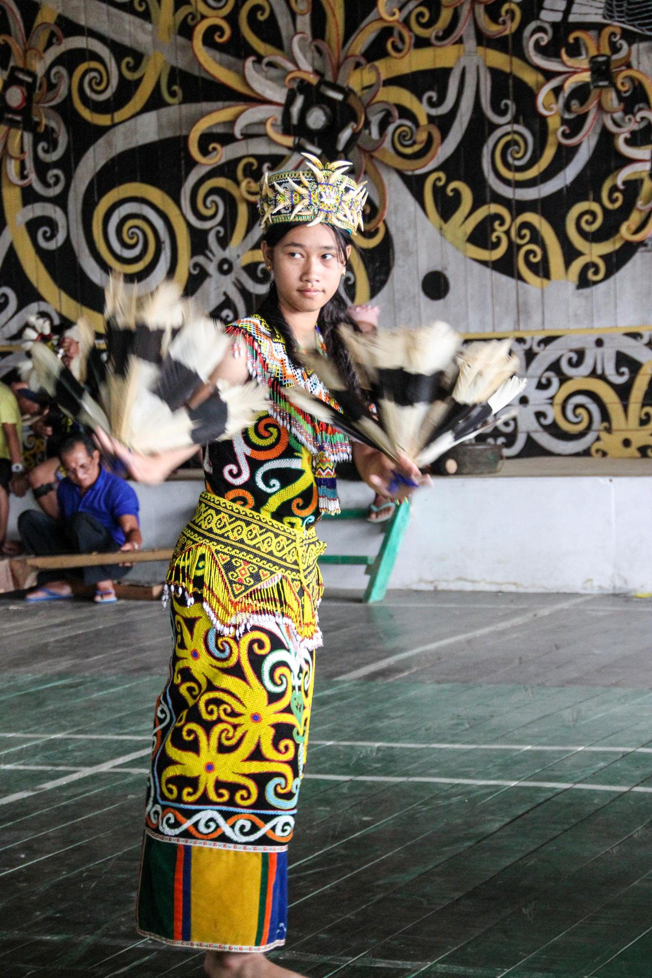 ダヤクの女性の踊り