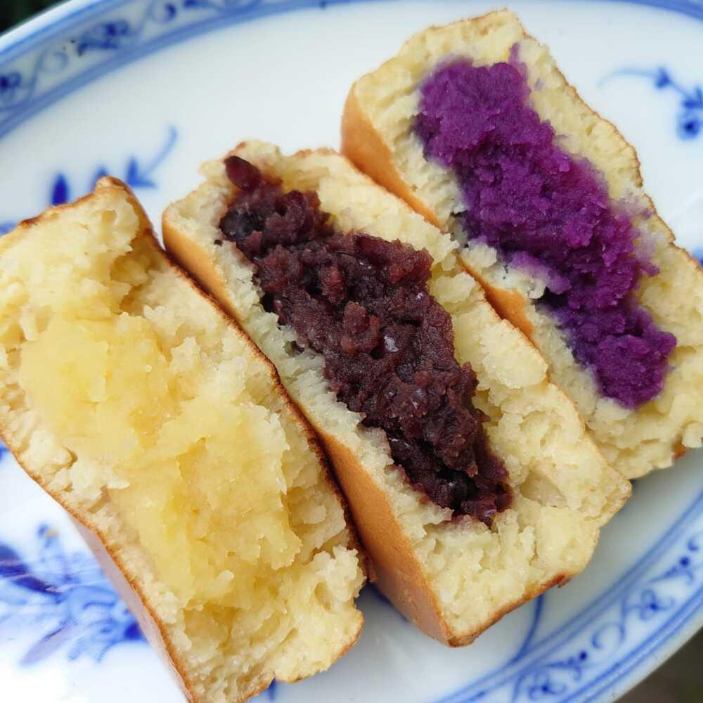 試作を繰り返していた時の、カスタードクリーム、小豆あん、紫芋あん