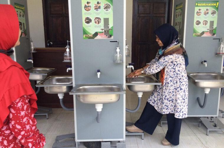 学校に設置された手洗い所