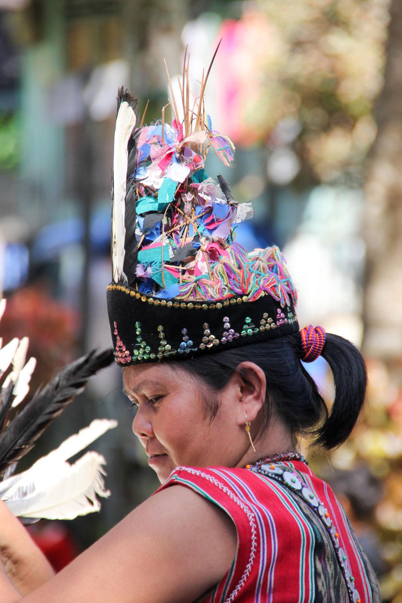 タンジュン・イスイ村での踊り