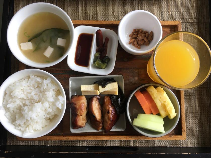 アヤナ朝食